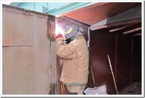 Создание гаражных ворот без помощи профессионалов