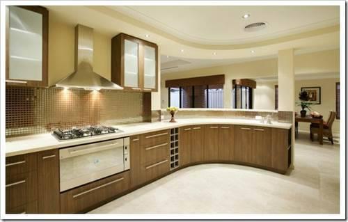 Кухонный гарнитур и мойка