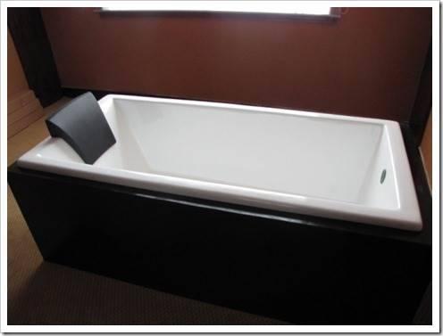 Преимущества ванн из конкретного материала