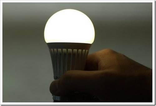 На чём основан принцип работы светодиода?
