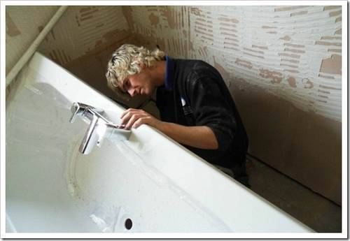 Демонтаж старой ванны: возможные проблемы