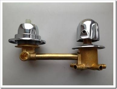 Как выбрать смеситель для душ.кабины на замену?