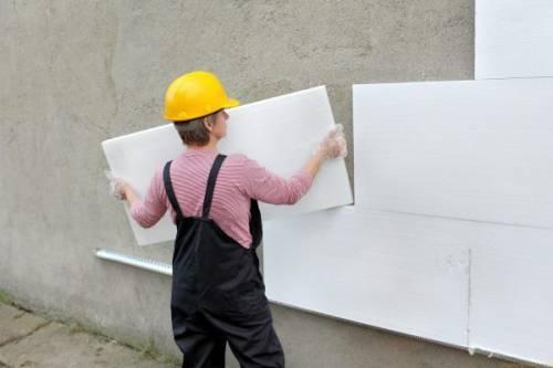 Утепление стен снаружи — один из самых эффективных методов защиты дома от