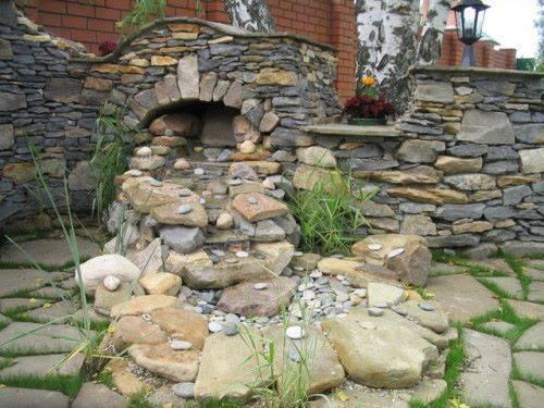 Природный камень в ландшафтнм интерьере