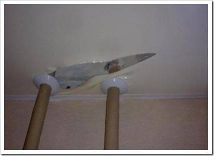 Как устранить порез в натяжном ПВХ потолке?