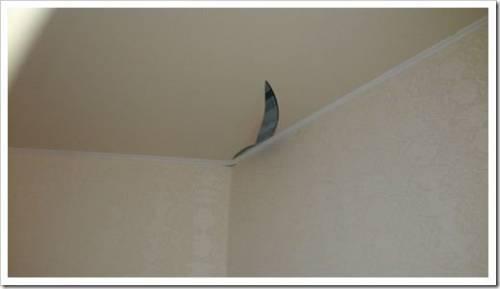 Порвался тканевый потолок: ставим заплатку