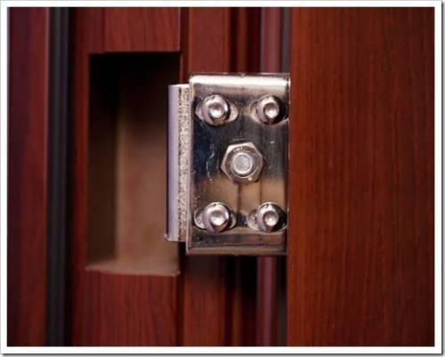 Какой инструмент потребуется для настройки двери?