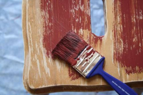 Как покрасить деревянную мебель