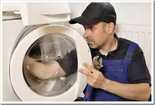 Вода перестала сливаться из стиральной машины?