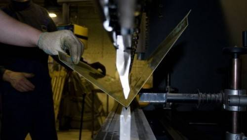 как согнуть лист металла