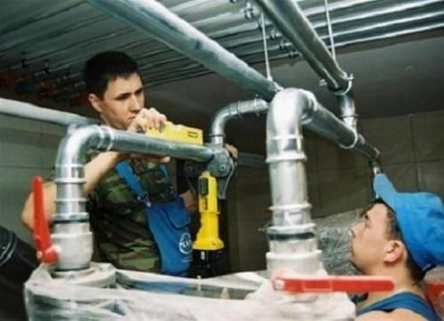 монтаж трубопровода из стальных труюб