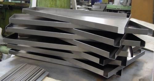 согнутый листовой металл