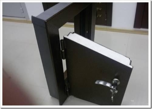 В чём отличия установки двери с терморазрывом?