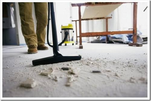 Опасность, которая таит в себе уборка после ремонта для непрофессионалов