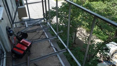Монтаж балкона с выносом