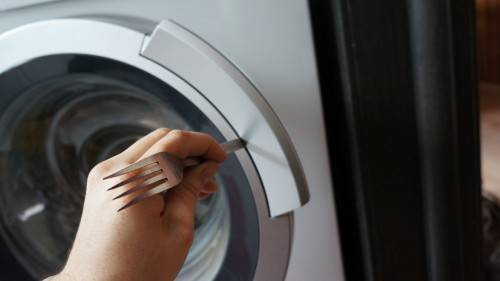 Как открыть стиральную машину, если сломалась ручка