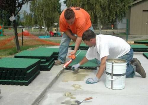 Как укладывать резиновую плитку