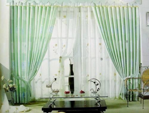 Как красиво повесить шторы в гостиной