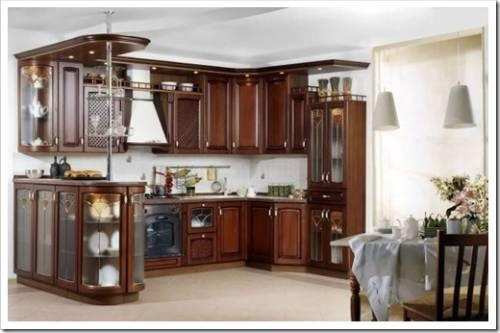 Классическая кухня и современная бытовая техника