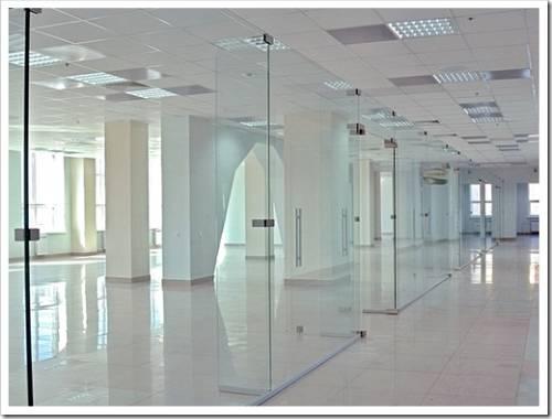 Преимущества стеклянных перегородок